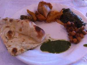Akbar Vegetable Pakora, Naan, Palak