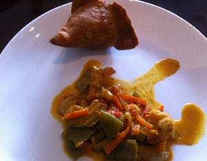 mehfil samosa & mixed veg curry