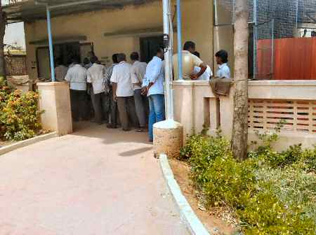 Amma Canteen Chennai Queue at the Food Counter © SearchIndia.com