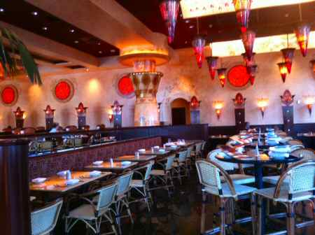 Cheesecake Factory Ambience - © SearchIndia.com