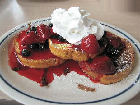 IHOP Berry Berry Brioche French Toast - Image © SearchIndia.com