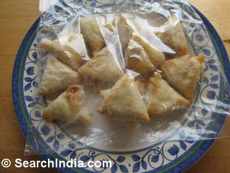 Chicken Tikka Samosa Appetizer - Image © SearchIndia.com